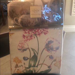 """NWT Lenox Butterfly Meadow 70"""" round tablecloth."""